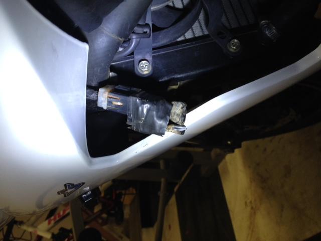 Radiator Fans/Fuse Location - Yamaha R6 Forum: YZF-R6 Forums
